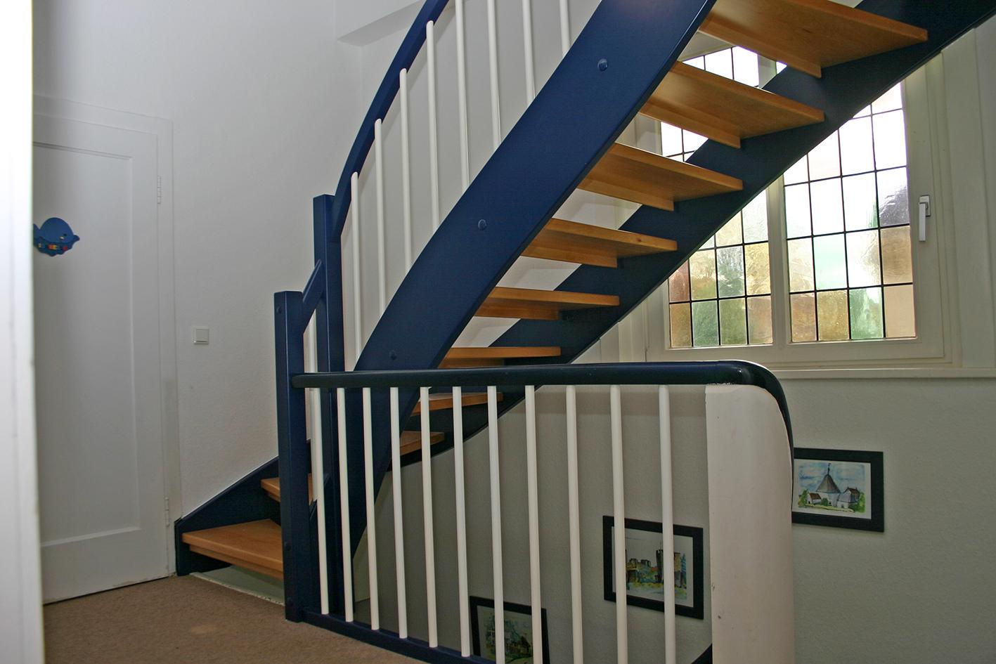 fenster und treppenbau modern und traditionell. Black Bedroom Furniture Sets. Home Design Ideas