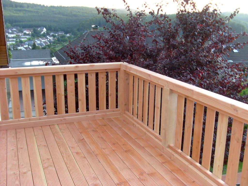 Balkone aus Holz: individuell, hochwertig gebaut, langlebig, witterungsbeständig